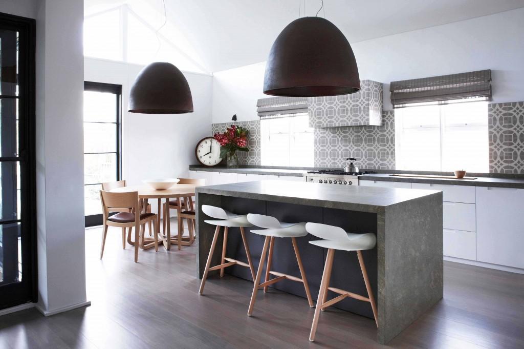 BCN stool – wood base